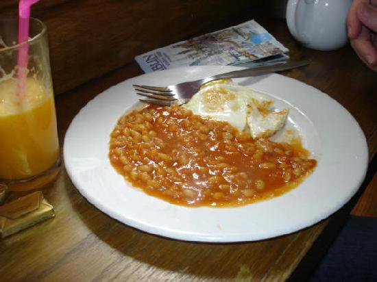 baked-beans-and-eggs.jpg