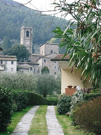 Lucca, Italy: Pieve/ San' Andrea-location of Camelia Show