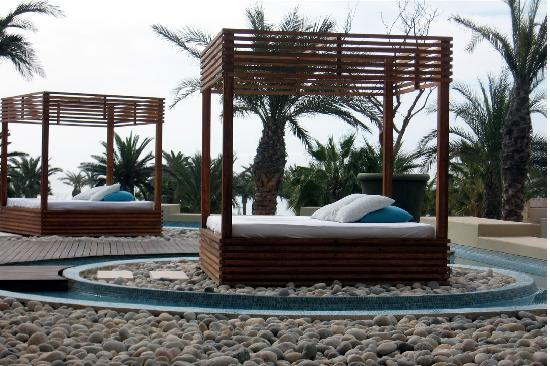 Cabana bed 28 images cabana bedroom set capitol for Outdoor pool bed