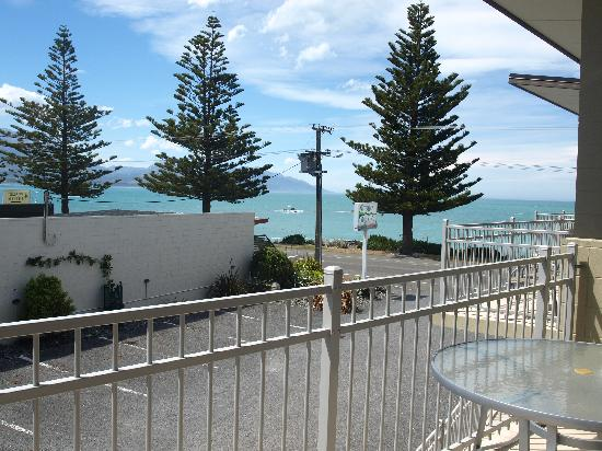 Kaikoura Waterfront Apartments: View from balcony
