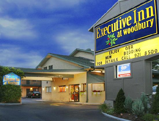 Executive Inn at Woodbury: Entrance