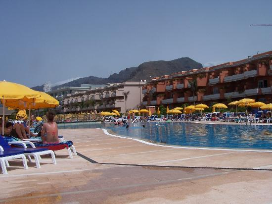 Water slide picture of be live family costa los gigantes for Piscina natural de puerto santiago