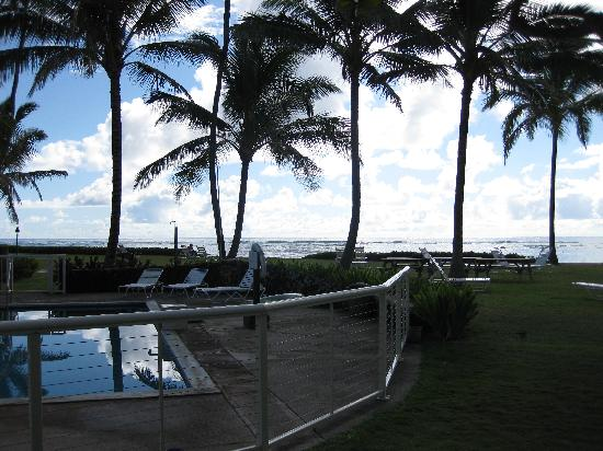 Mokihana of Kauai: View from room on the 1st floor looking twd BullShed/Beach