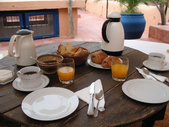 Riad El Az: Breakfast on Terrace