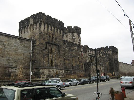 Hotels Near Eastern State Penitentiary