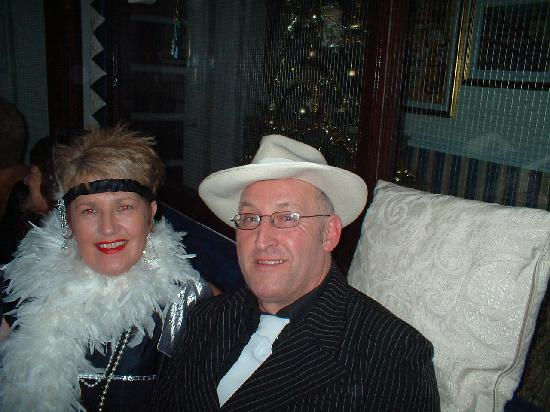 Canasta Hotel : NEW YEAR AL CAPONE AND MOLL