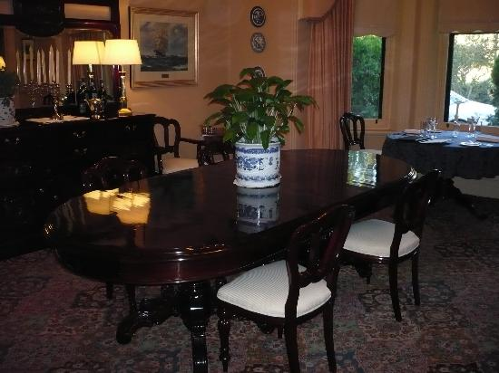 The Lodge Country House: Main Dining Room