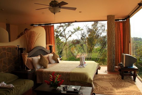 Issimo Suites Boutique Hotel and Spa: Room with very romantic view