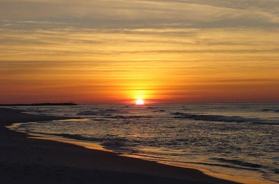 Orange Beach, AL : Sunrise at Island House beachfront 