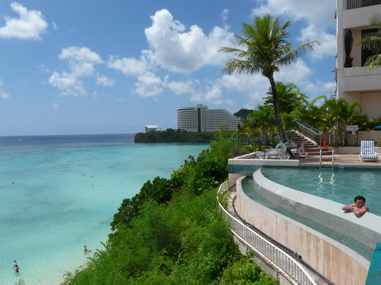 Guam, Kepulauan Mariana: reef hotel pool