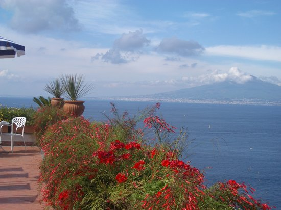Sorrento, Italy: Vesuvius mountain