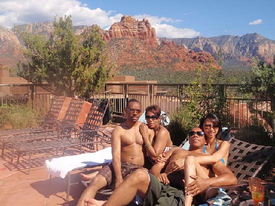 Hyatt Pinon Pointe: hanging out at the pool area...  beautiful 360 degree view of the red rock canyons.  breathtakin