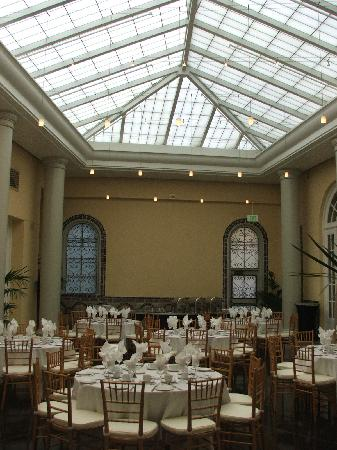 The Sainte Claire: Banquet room