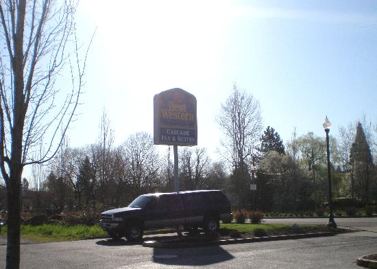 BEST WESTERN PLUS Cascade Inn &amp; Suites: entrance
