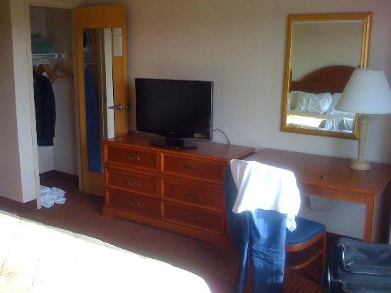 Embassy Suites Hotel Columbus Dublin: more bedroom