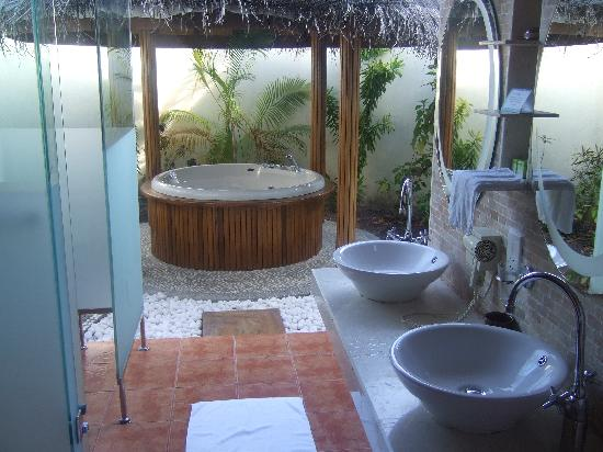bathroom jacuzzi bathroom designs pictures