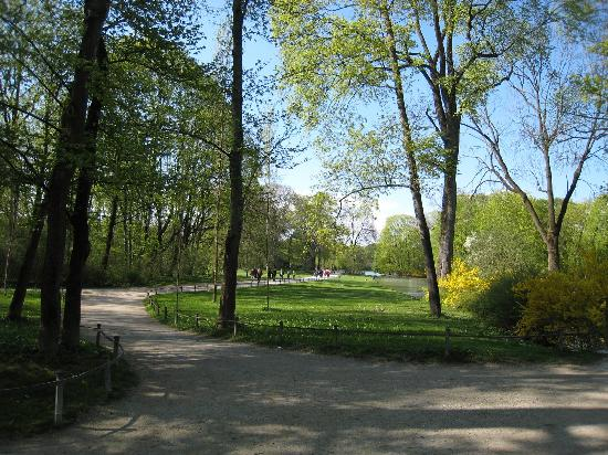 The Englischer Garten is a perfect Munich attraction.