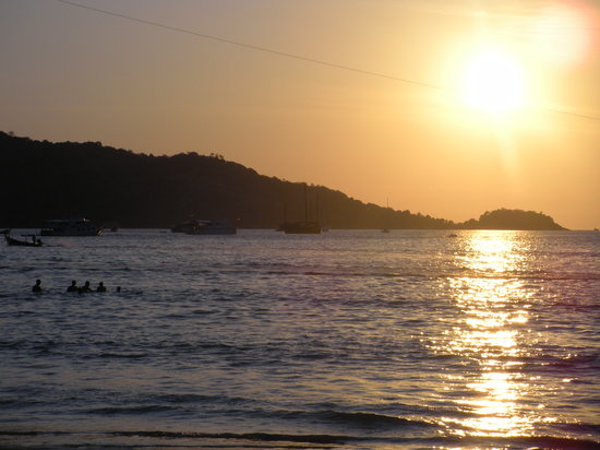 Phuket, Tailandia: Sunset beach