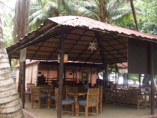 Island Vinnies Tropical Beach Cabana: THe resturant
