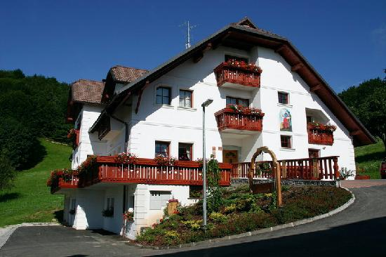Turist Farm Pri Marku (Kranj, Slovenia) - Lodging Reviews ...