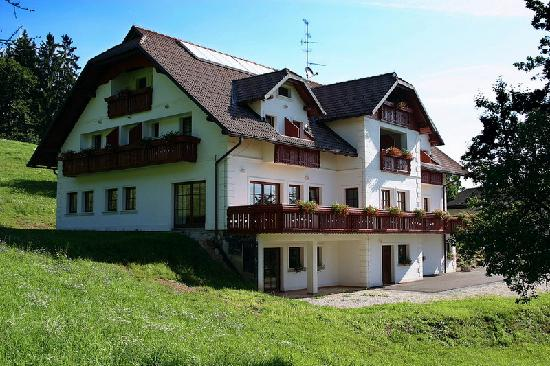 Turist Farm Pri Marku - Accommodation Reviews, Deals - Kranj, Slovenia ...