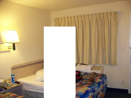Motel 6 Gainesville - Univ. of Florida: Picture of the room (inside)