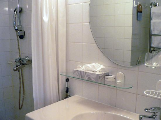 Original Sokos Hotel Seurahuone: Standard Single Room - Bathroom