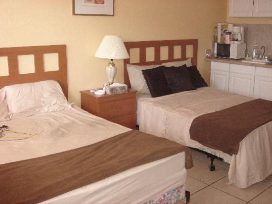 Hallandale Beach, FL: Room