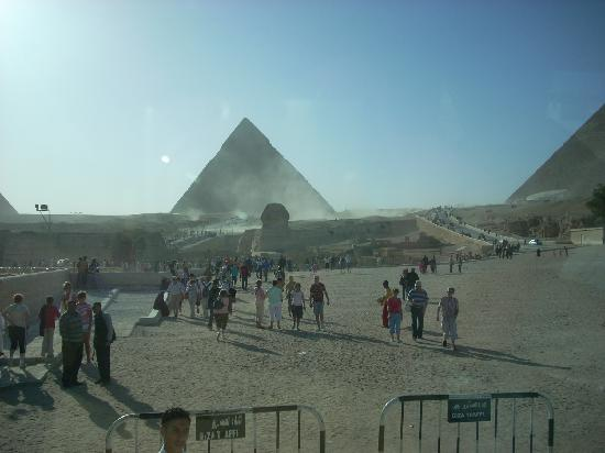 Walking to Giza