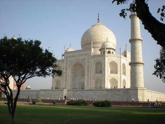 Agra, India: The Taj from the gardens