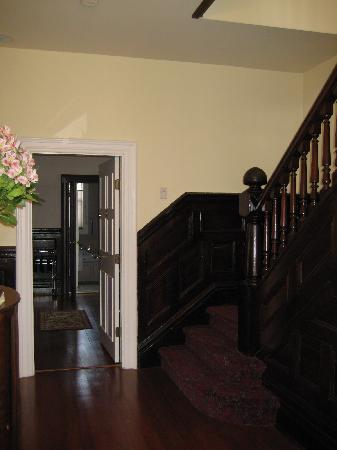 Ambrosia Historic Bed & Breakfast Retreat: entryway looking at (Ambrosia?) suite