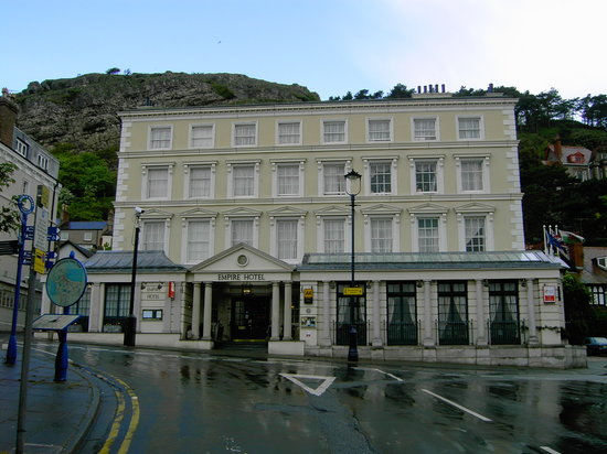 Empire Hotel Llandudno: Front of hotel
