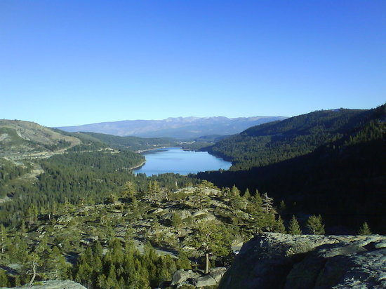 Truckee, Калифорния: Hiking about Donner Lake, CA