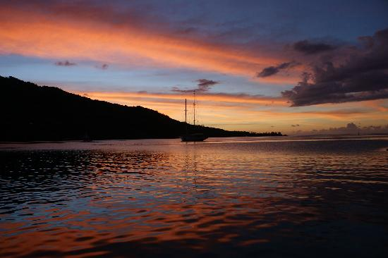 Cook's  Bay, French Polynesia: Sunset on Cook's Bay
