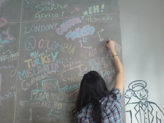 HQ hostel Bangkok: I love this wall, you can introduce ppl that where are you from.... WE FROM TAIWAN!!