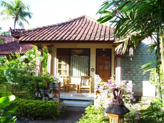 Bali Lovina Beach Cottages: Beach Bungalow