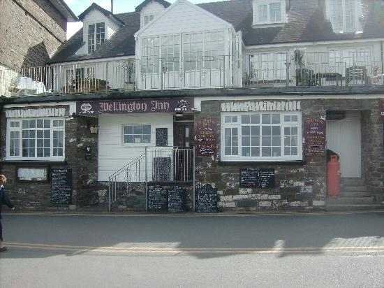 New Quay, UK: wellington inn frontage