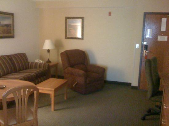 Drury Inn & Suites Austin North: Living Area of Suite