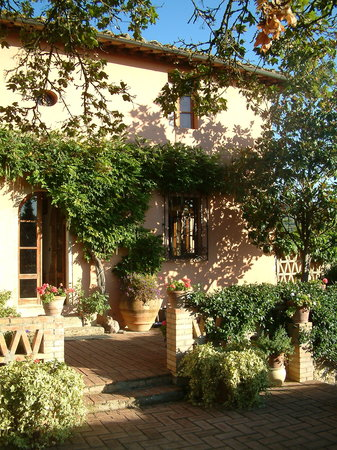 Photo of Vallebuia Country House San Gimignano