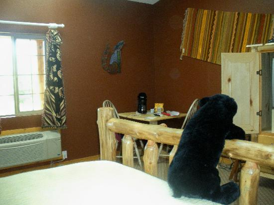 Escalante's Grand Staircase Bed & Breakfast Inn: Another view of the room...bed buddy provided!