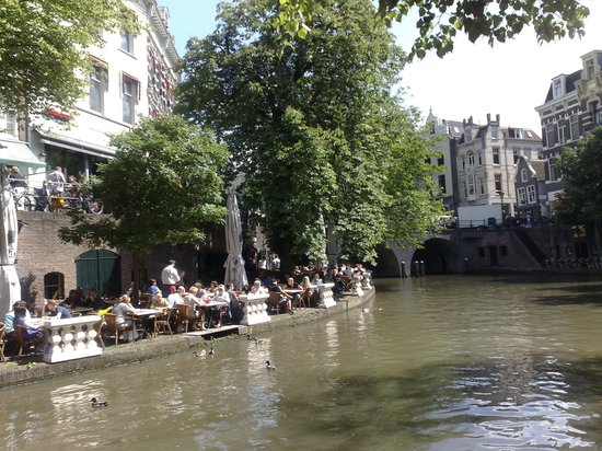 Utrecht, Nederland: down by the canal in the old town