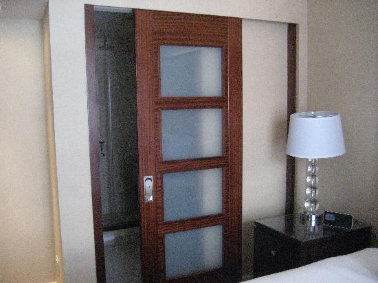 Perfect Hotel Bathroom Sliding Door 550 x 412 · 38 kB · jpeg