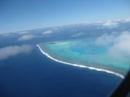 Flying out of Aitutaki