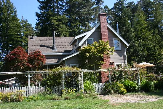 Mendocino Farmhouse: A view of the cottage