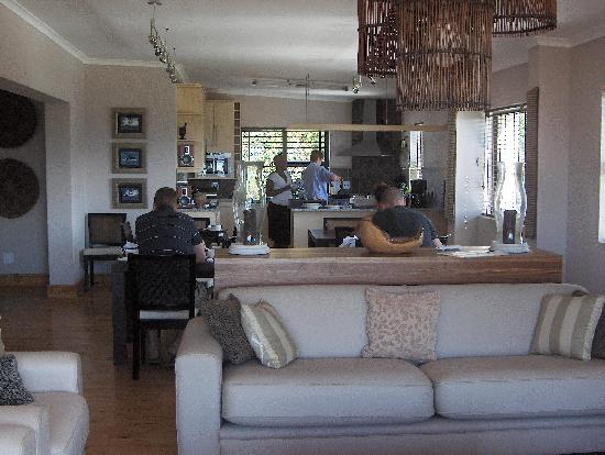Whale Away Guest House: the breakfast and living room