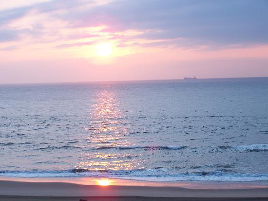 The Oceanfront Inn: Sunrise from the balcony.