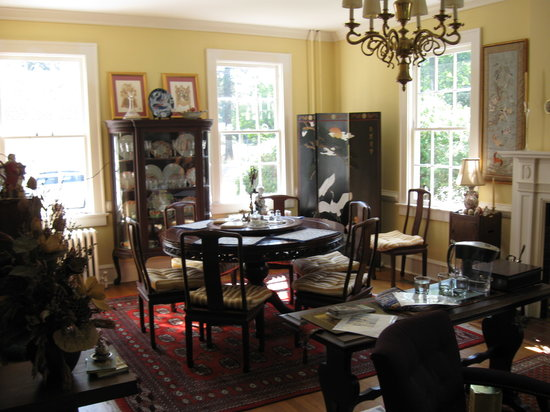 Alice Person House: Breakfast Area