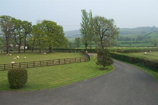 Llanwern, UK: Quiet Countryside Location