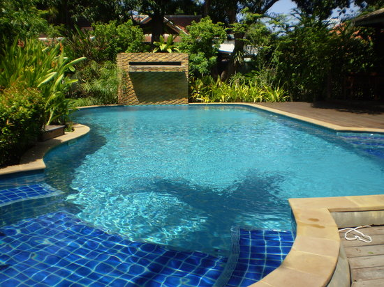 Baan Orapin Bed and Breakfast: The pool