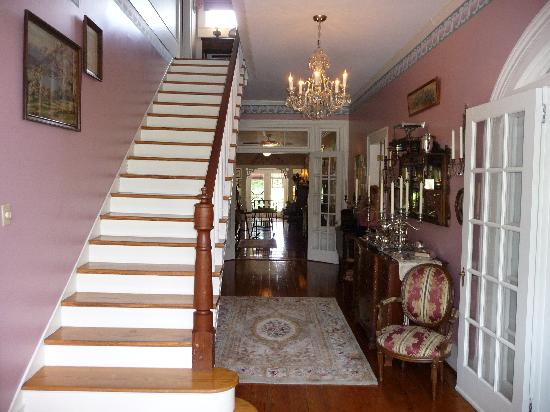 Plymouth, NC: Entrance Hallway - Four Gables
